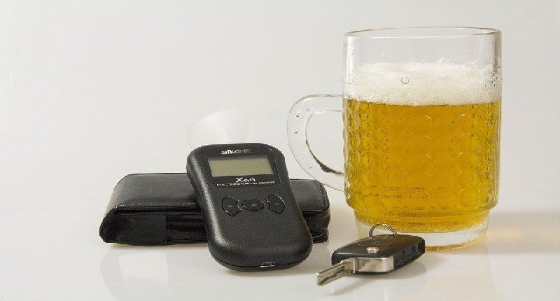 cómo funcionan los alcoholímetros